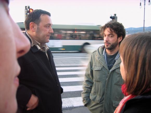 L'équipe de Petra Pan film production m'a aidé pour un tournage à Trieste en 2009. A gauche le directeur de la photo Brand Ferro. A droite son frère Pablo. De dos à droite : la réalisatrice Petra Seliskar.